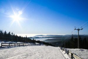 Sedačková lanovka v zimě na Klínovci